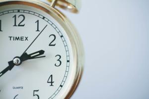alarm-clock-gold-hands-of-a-clock-1778-525x350